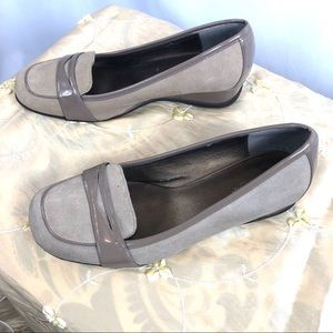 Ladies Kenneth Cole Reaction Loafers Taupe 9